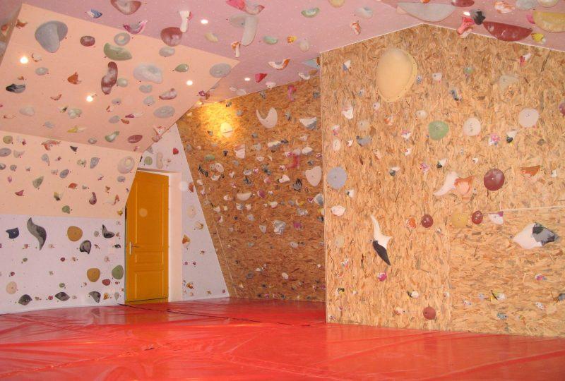 Structure artificielle d'escalade – Club alpin français à Saoû - 0