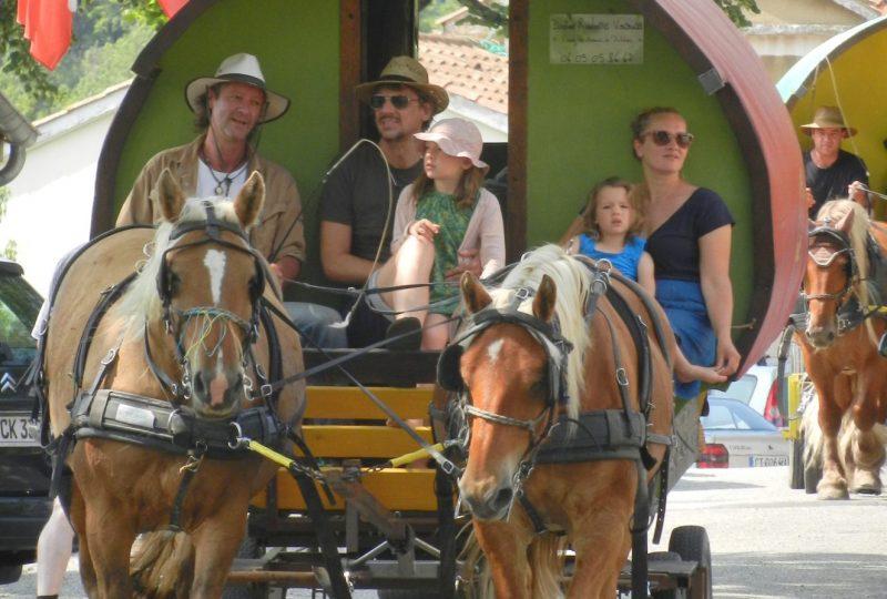 Une semaine de bohème en roulotte tirée par des chevaux à Le Poët-Célard - 3