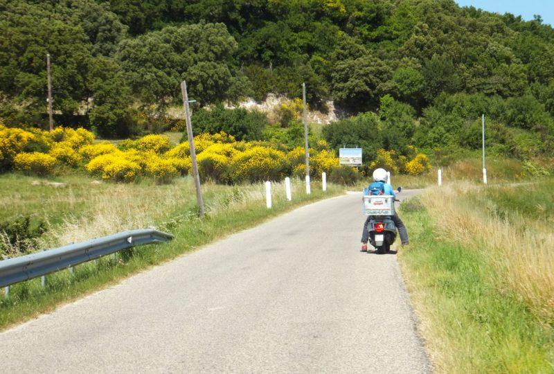 Parcours d'art en scooter : découverte et itinérance à Marsanne - 1
