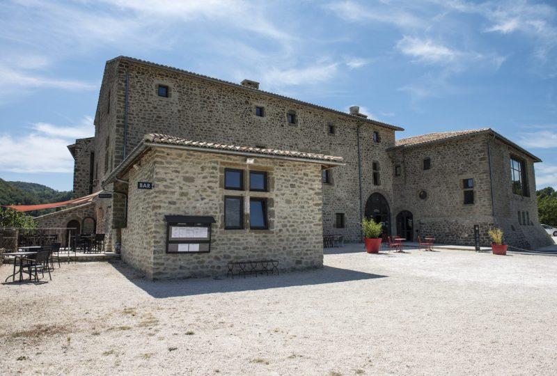 Le Restaurant  du Château à Le Poët-Célard - 0