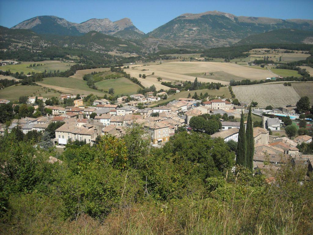 Vue du village de Bourdeaux, en Drôme