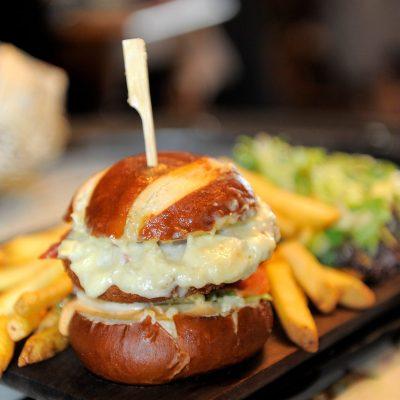 Plat a emporter -restaurant français -Le quartier -Dieulefit