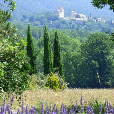 Le Poët-laval -beau village perché -Drome provençale - médiéval - et la lavande