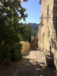 plus beaux village perché -Drome provençale - le Poët-Laval