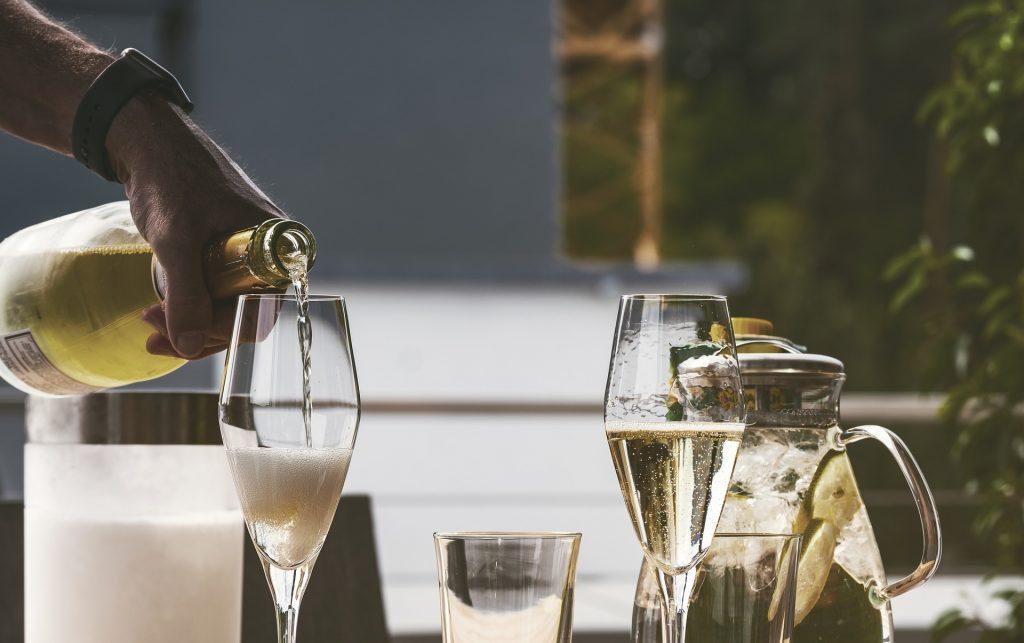 boire un verre - vin - apéritif - happy hour- drink-