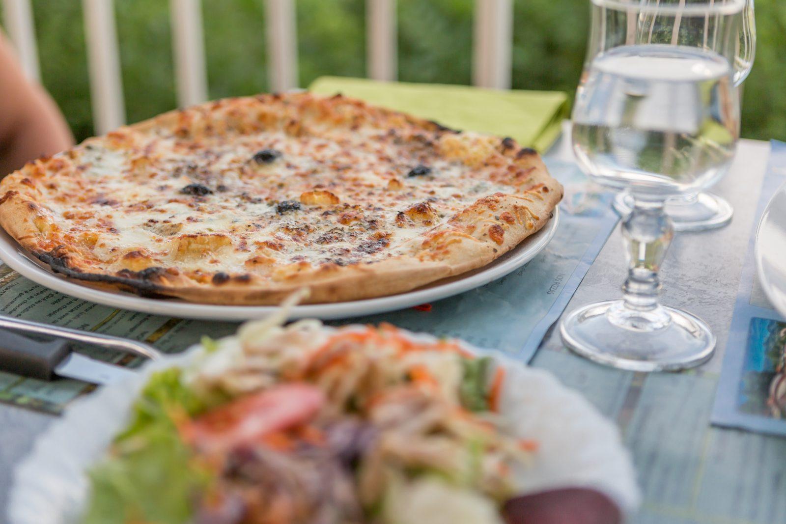 Restaurant/Pizzeria Le Couspeau à Le Poët-Célard - 5