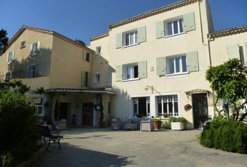 Hôtel-Restaurant Auberge de l'Escargot d'Or à Dieulefit - 7