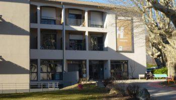 hopital local et maison de retraite