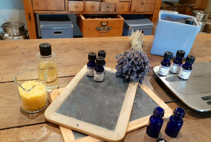 Séjour bleu lavande à Dieulefit - 4