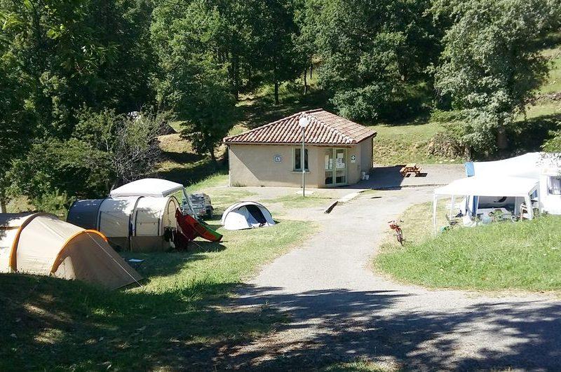 Camping les Châtaigniers à Eyzahut - 2